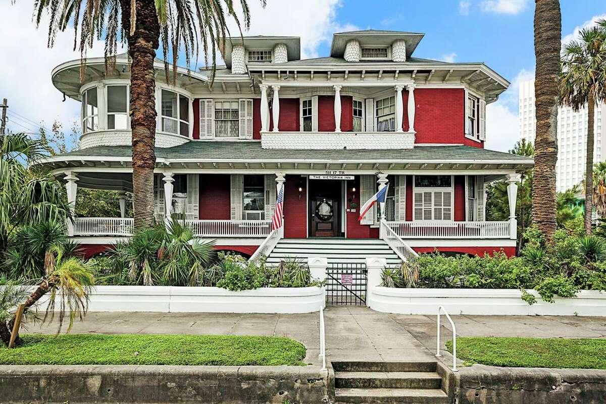 511 17th Street Listing price: $1.2 million Year built: 1899 Square feet:6,964
