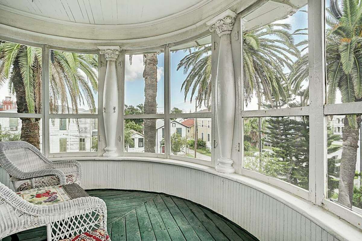 511 17th Street Listing price: $1.2 million Year built: 1899 Square feet: 6,964