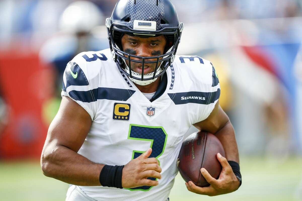 The MMQB's Andy Benoit Benoit cautioned fans not to read in too much to the numbers coming out of Sunday's loss, but he also said it's time for Seattle offensive coordinator Darrell Bevell to start designing an attack based on Russell Wilson's strengths.