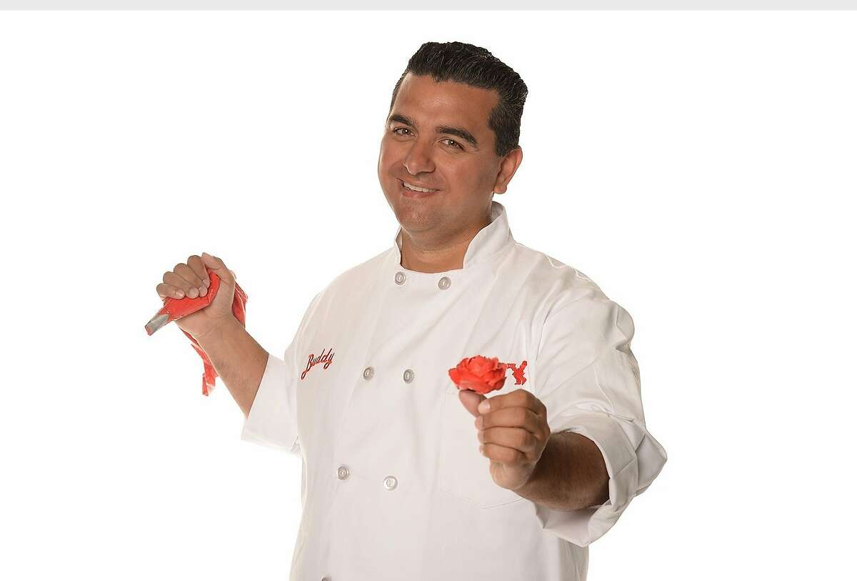 Buddy Valastro, the Cake Boss, and his family are set to introduce Carlos Bakery to Minnesota on September 30, 2017 at the Mall of America. ((PRNewsfoto/Carlo's Bakery))