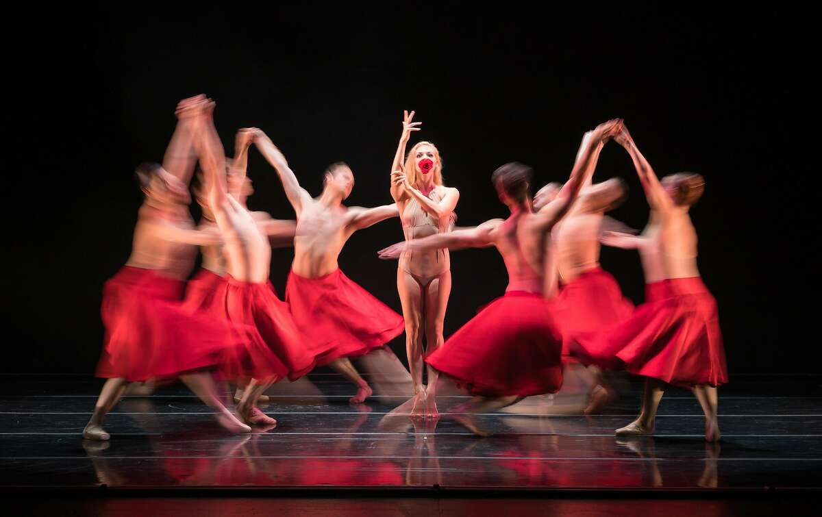 Smuin dancers swirl around Erica Felsch in �Requiem for a Rose,� an exploration of love and romance by Colombian�Belgian choreographer Annabelle Lopez Ochoa. The work received its West Coast premiere as part of Smuin�s Dance Series 01. Photo: Keith Sutter.