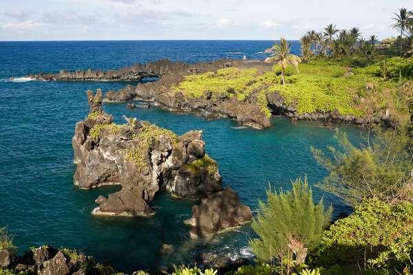 (GERMANY OUT) Waianapanapa State Park on Road to Hana, Maui, Hawaii, USA  (Photo by Reinhard Dirscherl/ullstein bild via Getty Images)