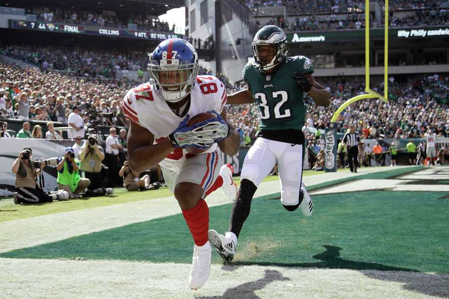 New York Giants' Sterling Shepard, left, cannot score against Philadelphia Eagles' Rasul Douglas during the first half of an NFL football game, Sunday, Sept. 24, 2017, in Philadelphia. (AP Photo/Matt Rourke) ORG XMIT: PXE112 Photo: Matt Rourke / Copyright 2017 The Associated Press. All rights reserved.