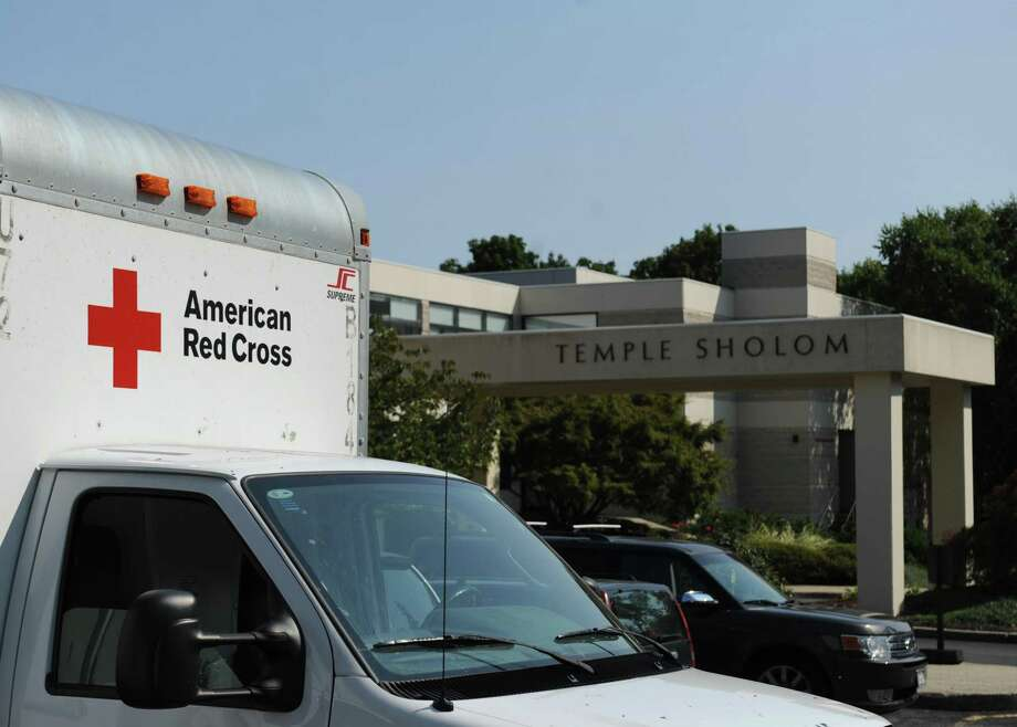An American Red Cross truck is parked for the blood drive at Temple Sholom in Greenwich, Conn. Monday, Sept. 11, 2017. The American Red Cross urges eligible donors of all races and ethnicities to give blood to help ensure a diverse blood supply for patients in need. Photo: Tyler Sizemore / Hearst Connecticut Media / Greenwich Time