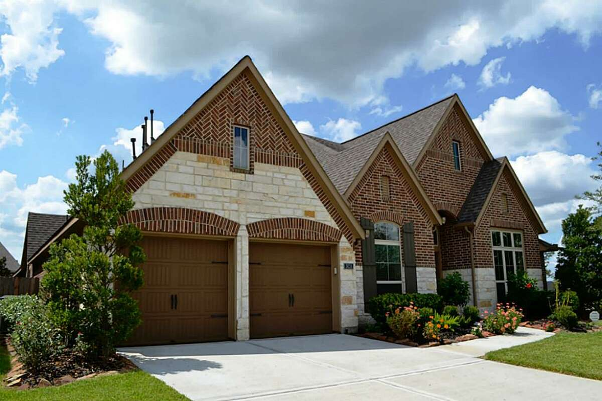 Pearland No. of transactions (September 2015-August 2016):2370 No. of transactions (September 2016-August 2017): 2270 Percent change:-4.2