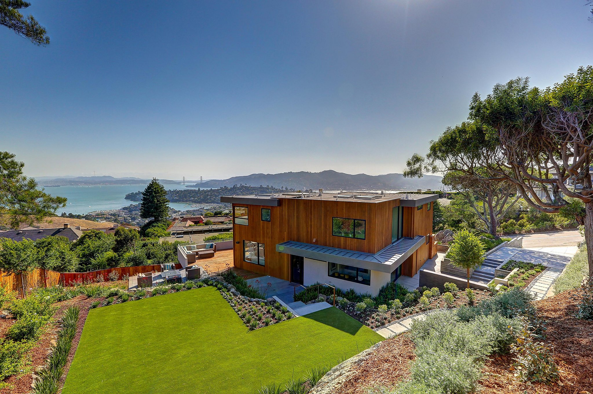 Newly built tech-savvy contemporary in Tiburon - SFGate