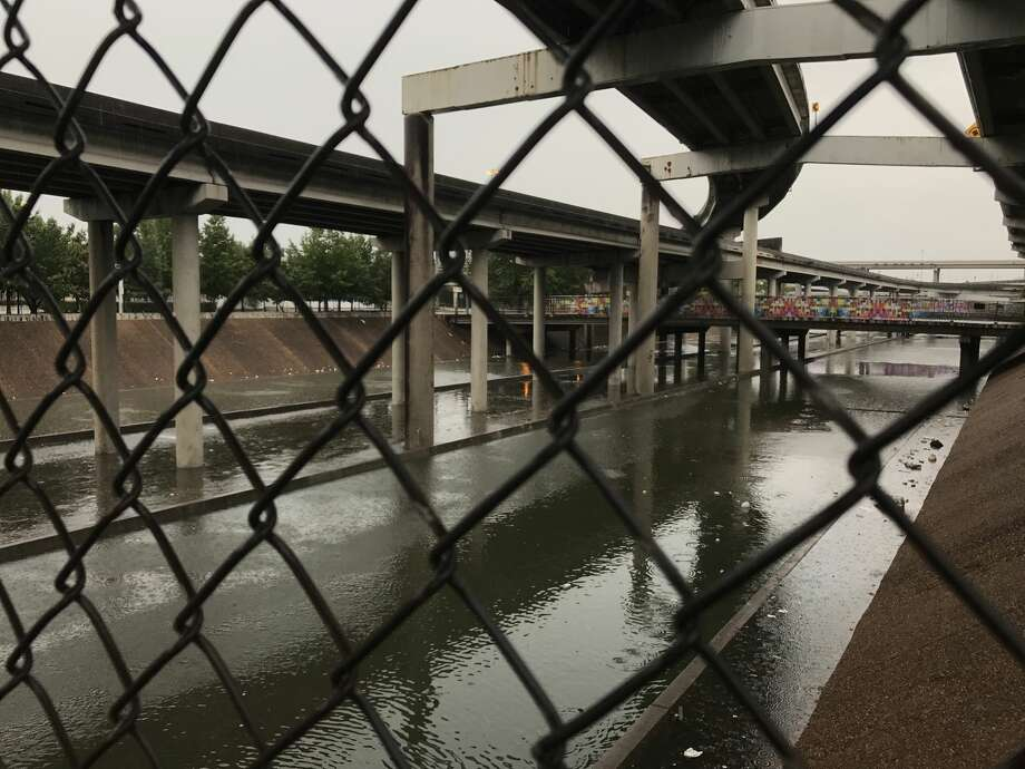 Flooded freeway intersection of Interstate 45 and Interstate 69 in downtown Houston as a result of Hurricane Harvey on Aug. 27. Photo: Elizabeth Conley
