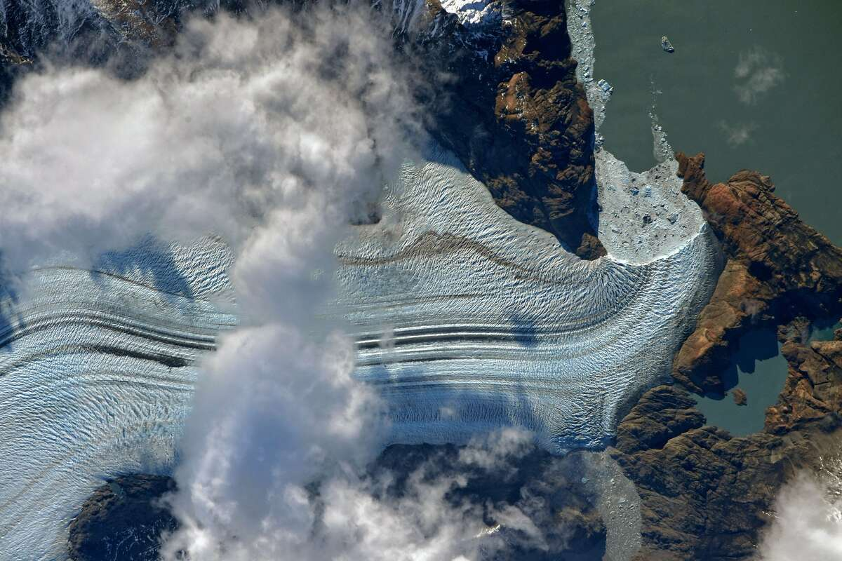 Original caption:The glaciers of #Patagonia are impressive in size. The largest #Viedma is 978 square kilometers