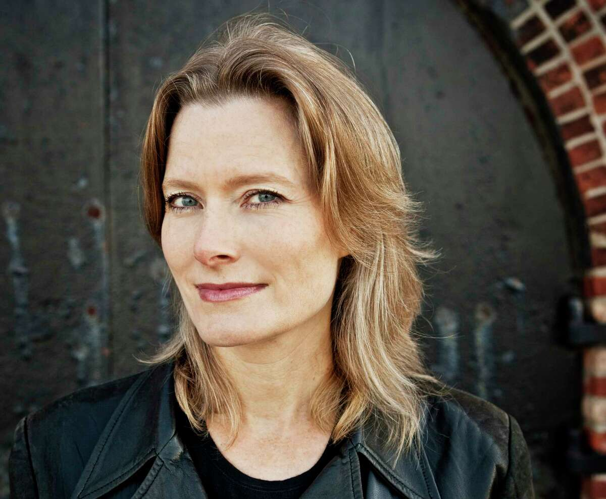 """Jennifer Egan's """"Manhattan Beach"""" is her first novel sincethe Pulitzer Prize-winning """"A Visit from the Goon Squad."""""""