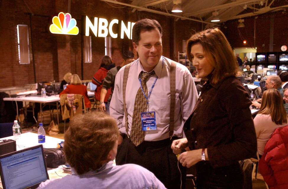 Old friends reunite. Former NewsChannel 13 anchor Chris Jansing, now with MSNBC, chats with NewsChannel 13 anchor Jim Kambrich in the NBC news center in Manchester, NH, on Tuesday January 27, 2004.