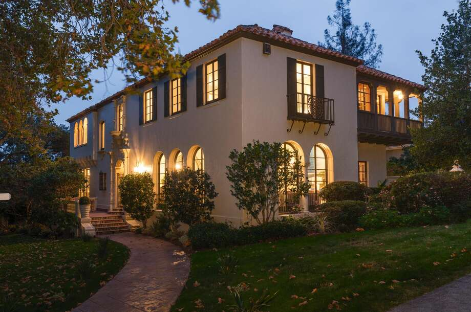 A Spanish Colonial Revival at 227 Crocker Ave. in Piedmont, Calif., is on the market for $3.795 million. Photo: Christian Klugmann