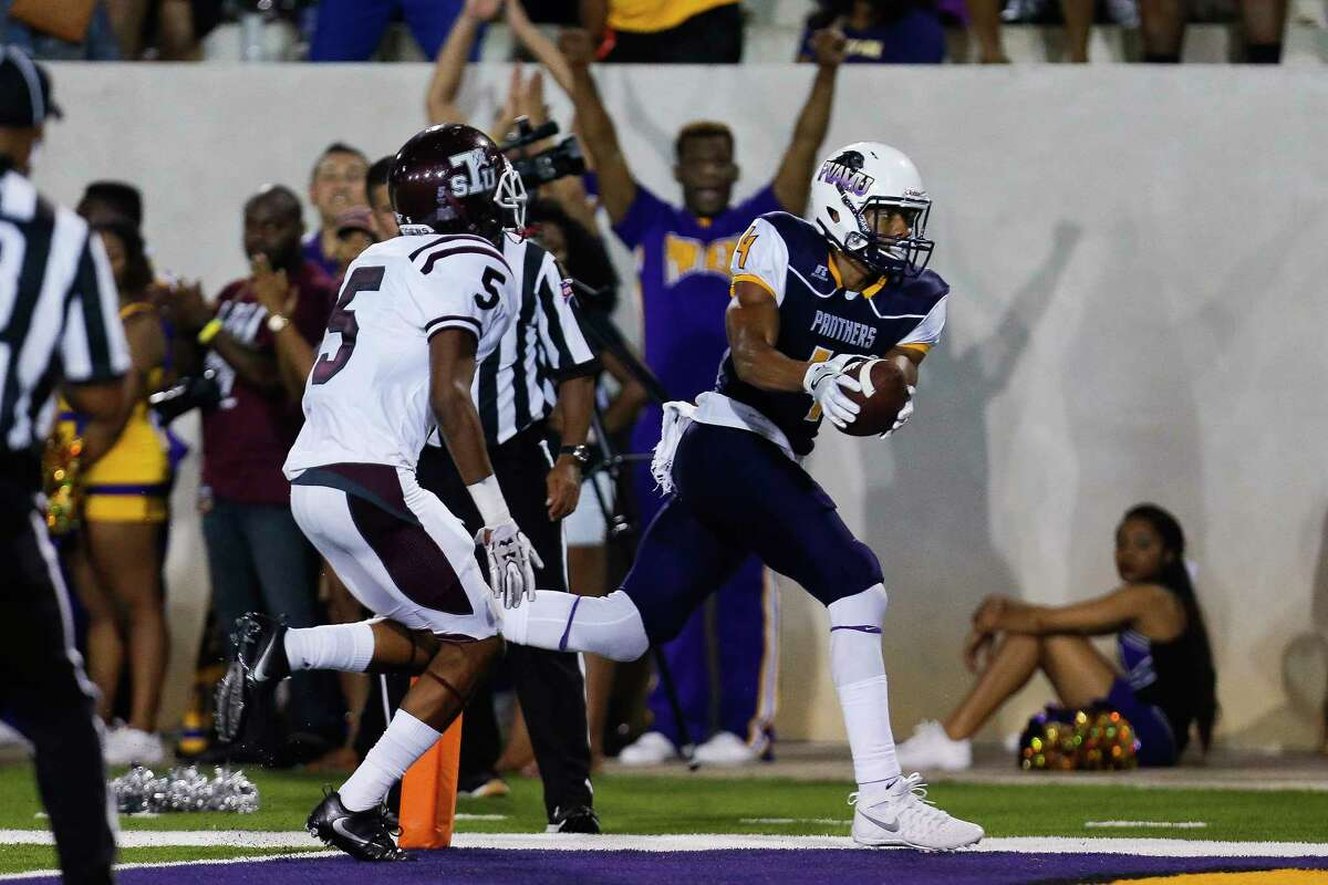 Prairie View Am Panthers wide receiver KhaDarel Hodge (4) catches a touchdown pass as the Prairie View Am Panthers take on the Texas Southern Tigers at Panther Stadium at Blackshear Field Sunday, September 4, 2016 in Prairie View. ( Michael Ciaglo / Houston Chronicle )