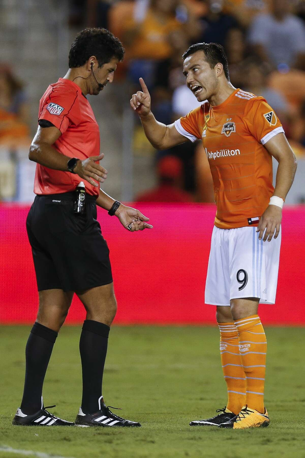 Houston Dynamo forward Erick Torres (9) argues with a referee as the Houston Dynamo take on the Los Angeles Galaxy at BBVA Compass Stadium Wednesday, Sept. 27, 2017 in Houston. ( Michael Ciaglo / Houston Chronicle)