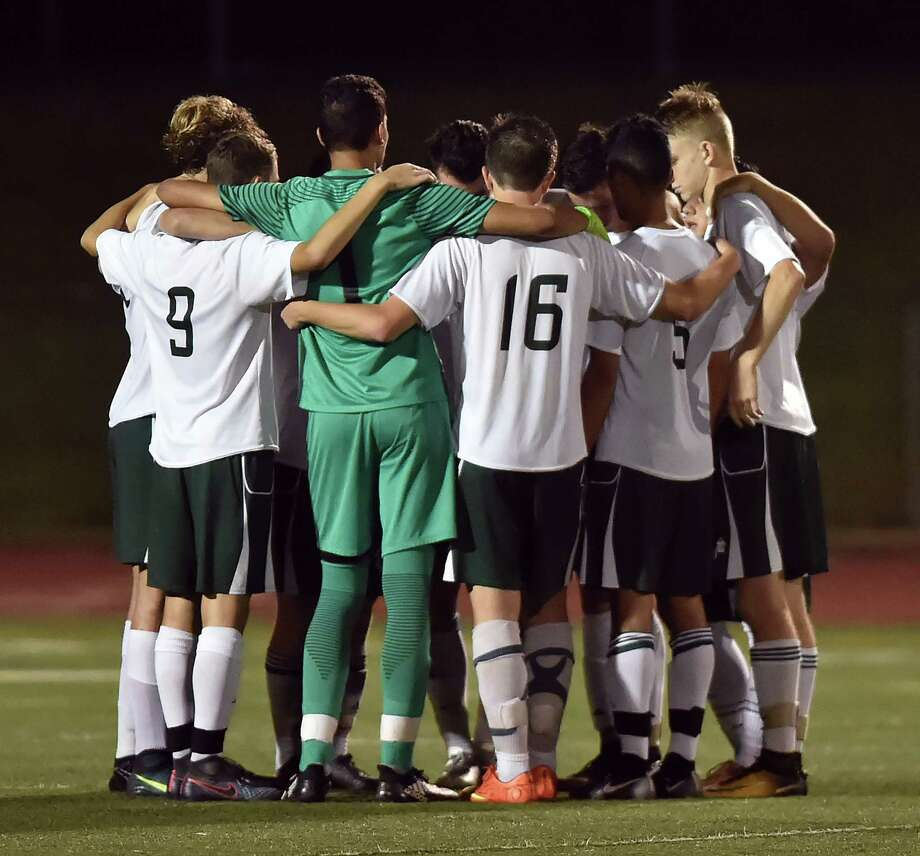 Guilford defeats Hand, 1-0, Wednesday, September 27, 2017, at the James W. Kavanaugh Athletic Complex at Guilford High School. Photo: Catherine Avalone, Hearst Connecticut Media / New Haven Register