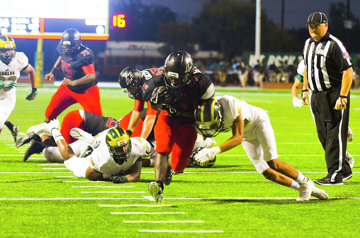 The Langham Creek rushing attack has benefitted from terrific offensive line play, racking up 610 yards and seven touchdowns over two contests. The Lobos field the most potent offensive attack in 17-6A through two contests, thanks largely to a league-best rushing attack.