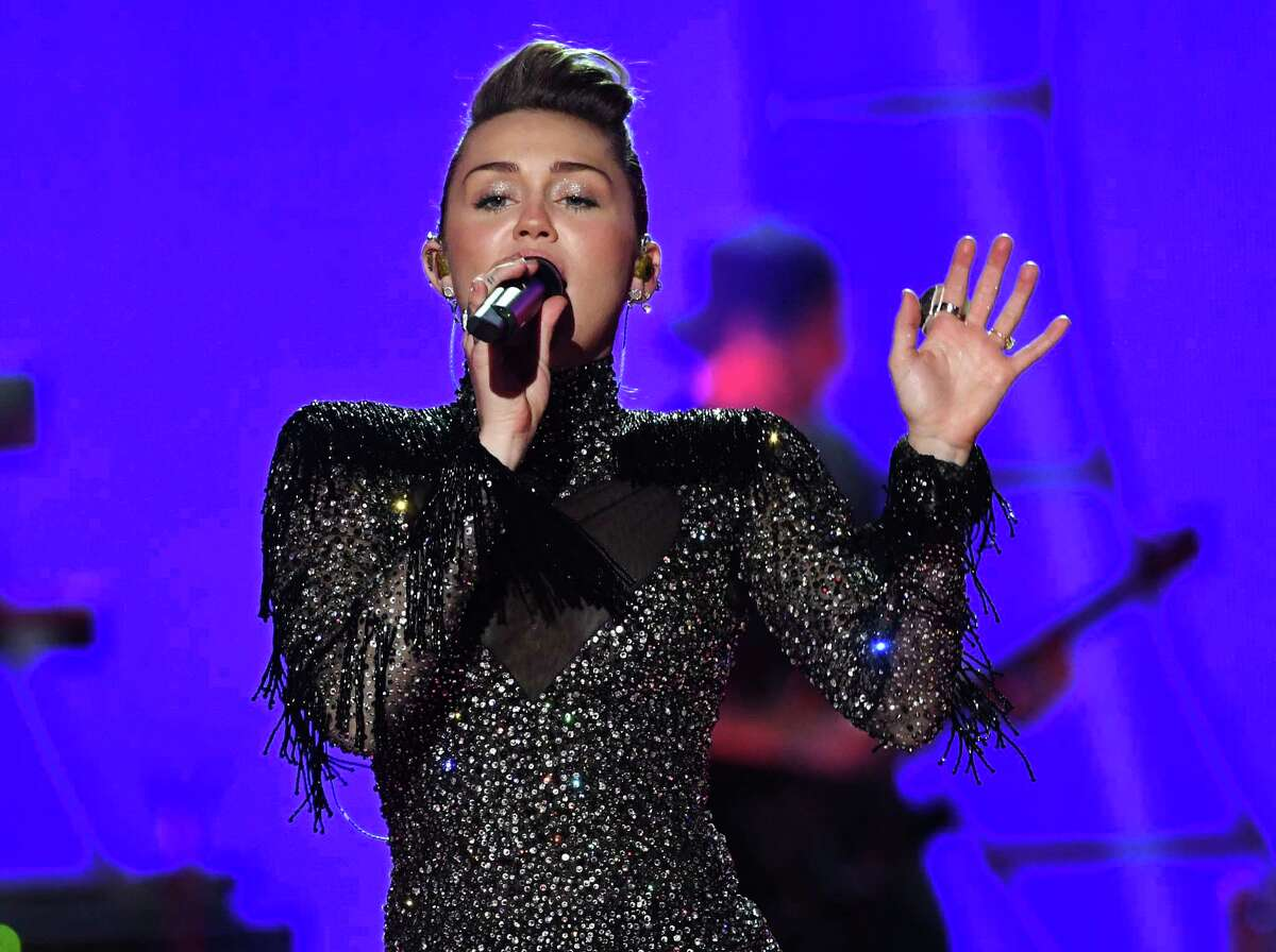 LAS VEGAS, NV - SEPTEMBER 23: Miley Cyrus performs onstage during the 2017 iHeartRadio Music Festival at T-Mobile Arena on September 23, 2017 in Las Vegas, Nevada.