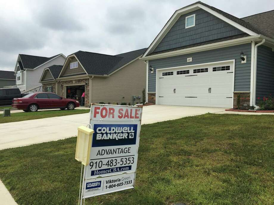 According to the latest data released Thursday by Freddie Mac, the 30-year fixed-rate average remained at 3.83 percent with an average 0.6 point, same as it was a week ago. Photo: Swayne B. Hall /Associated Press / AP
