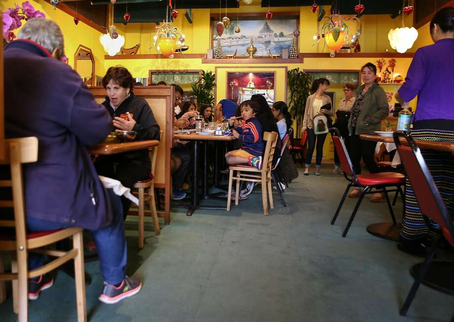 The busy dining room at Mandalay restaurant. Photo: Amy Osborne, The Chronicle