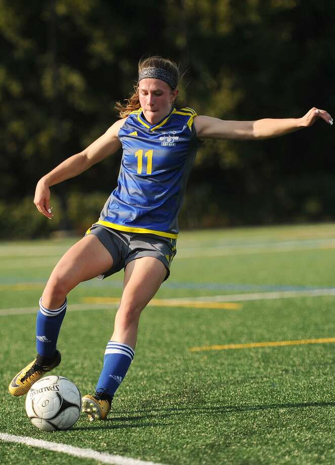Newtown's Carly Swierbut plays the ball during their girls soccer game with Notre Dame in Fairfield, Conn. on Monday, September 11, 2017. Photo: Brian A. Pounds / Hearst Connecticut Media / Connecticut Post