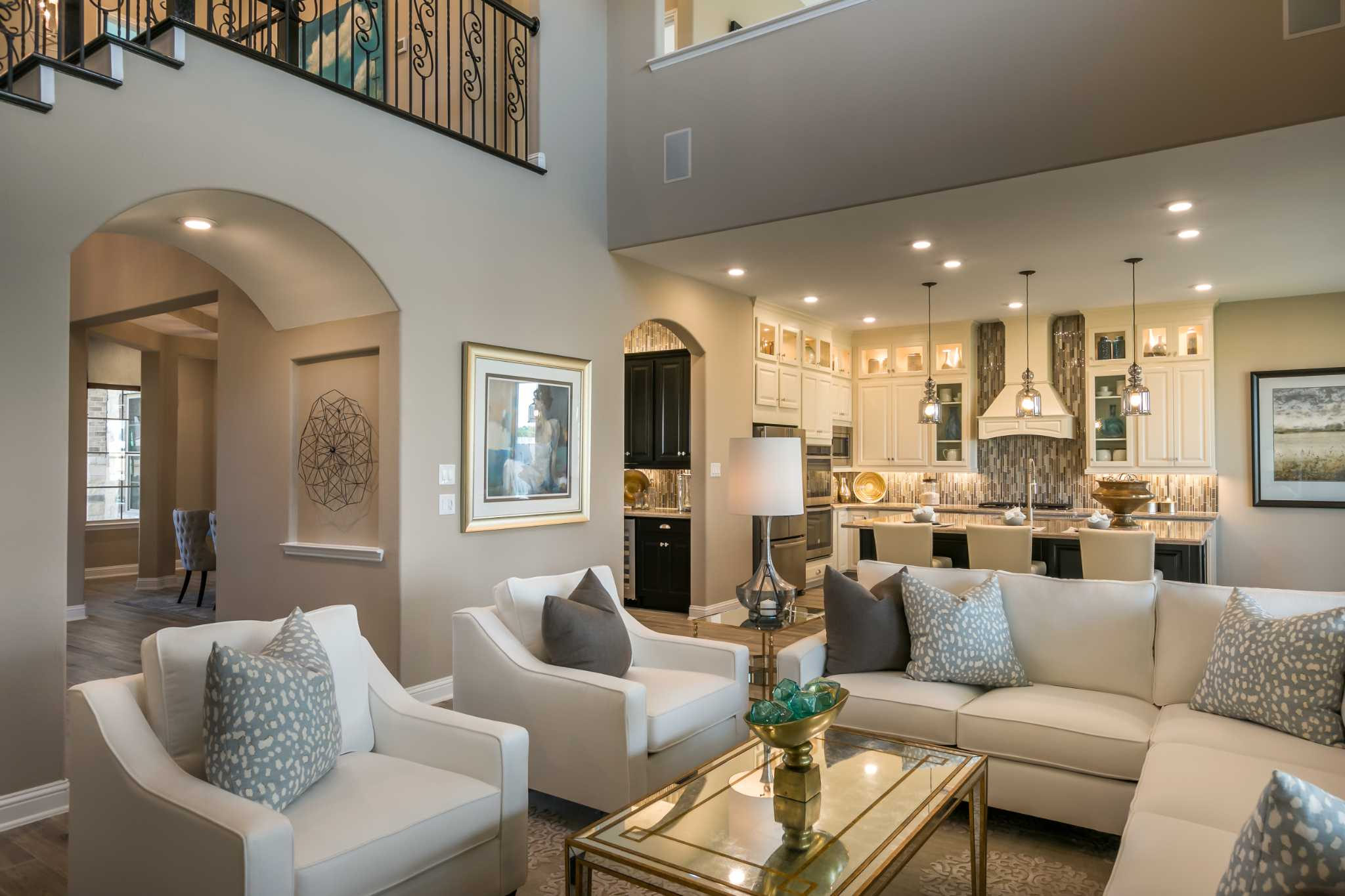 Do It Yourself Home Design: Beazer Homes Showcases Luxury Living In Katy