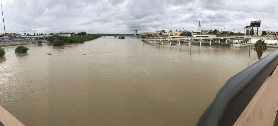 LMTonline readers submitted their photos of damage and flooding from the heavy rains in Laredo and Nuevo Laredo in late September 2017. Photo: Facebook