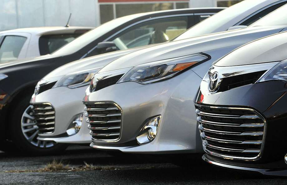 """In September 2017, the Connecticut Department of Consumer Protection updated its """"lemon law"""" manual that instructs vehicle owners how to get vehicles fixed that hit problems within two years of purchase or 24,000 miles. Photo: Jason Rearick / Jason Rearick / Stamford Advocate"""