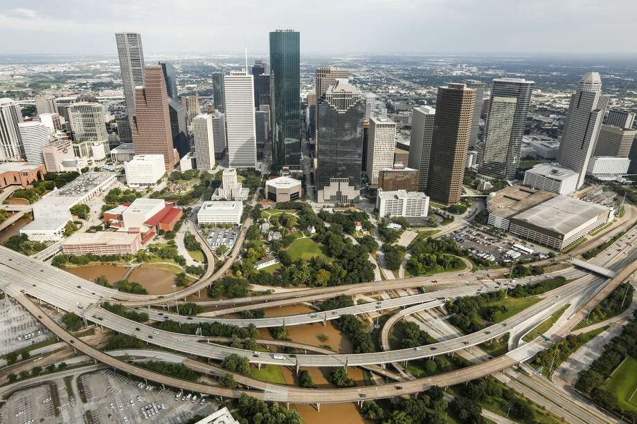Cities need to better anticipate what would happen in the case of these types of unprecedented extreme weather events. The past few years have seen a growing number of record-breaking storms, droughts and other weather events. Photo: Brett Coomer/Houston Chronicle