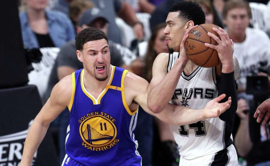 Golden State Warriors' Klay Thompson defends against San Antonio Spurs' Danny Green in 3rd quarter of warriors' 120-108 win during Game 3 of NBA Western Conference Finals at AT&T Center in San Antonio on May 20, 2017. Photo: Scott Strazzante /San Francisco Chronicle / **MANDATORY CREDIT FOR PHOTOG AND SF CHRONICLE/NO SALES/MAGS OUT/TV