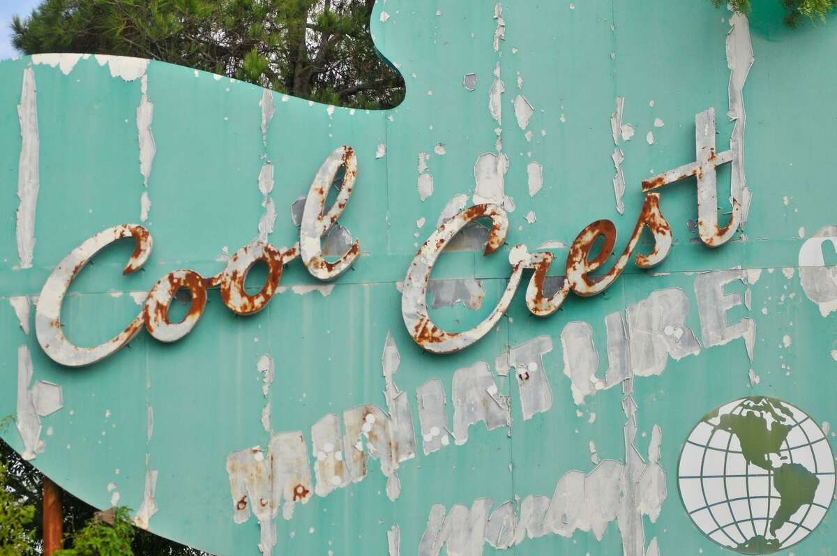 A look at the then-faded Cool Crest sign in August 2012. Cool Crest was closed from around 2007 until summer 2013.