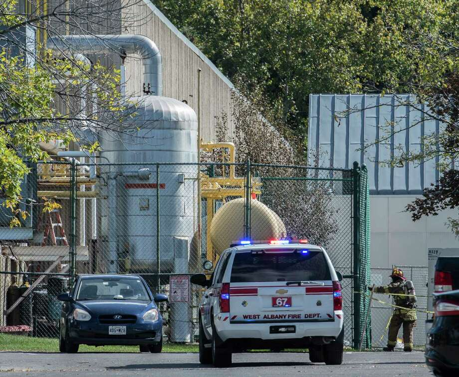 Apparatus from a number of different departments arrived to investigate an ammonia leak at the Pepsi plant Friday Sept. 29, 2017 in Latham, N.Y. (Skip Dickstein/Times Union) Photo: SKIP DICKSTEIN