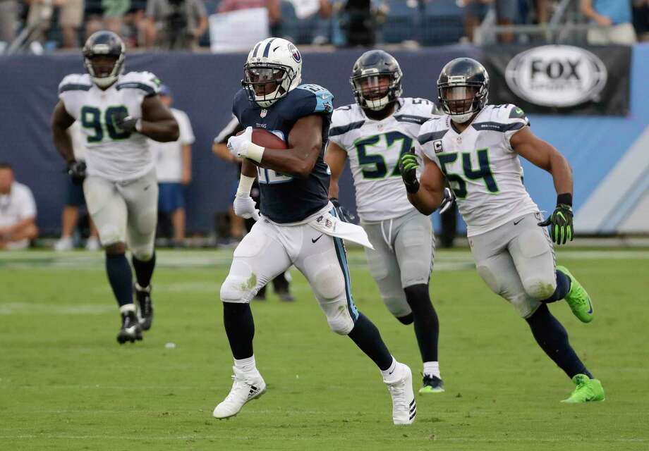 Tennessee Titans QB Marcus Mariota exits with hamstring injury