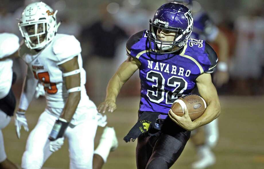 Panthers running back Chris Gomez finds an open field for a long first half run as Navarro hosts Refugio on Sept. 29, 2017. Photo: Tom Reel /San Antonio Express-News / 2017 SAN ANTONIO EXPRESS-NEWS