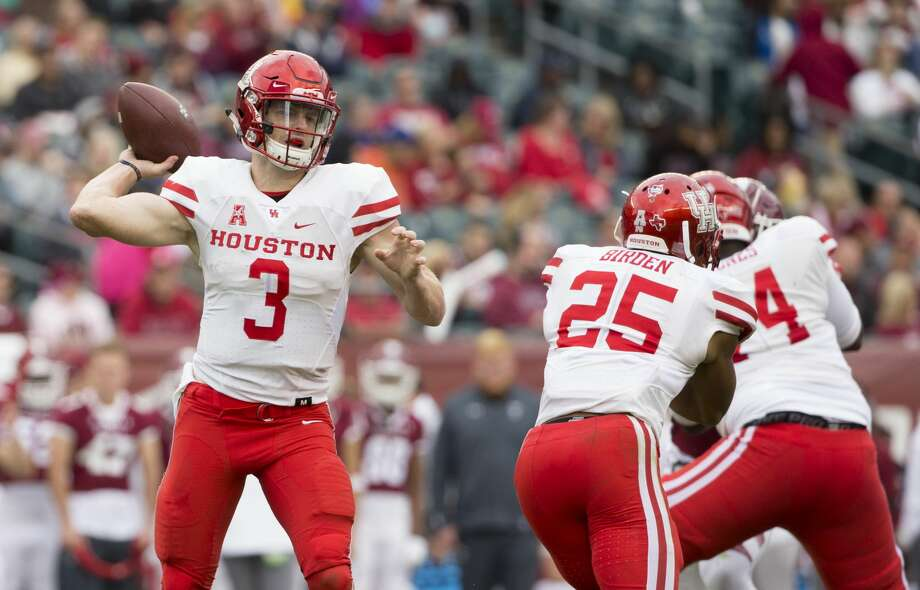 PHILADELPHIA, PA - SEPTEMBER 30: Kyle Postma #3 of the Houston Cougars throws a pass in the second quarter against the Temple Owls at Lincoln Financial Field on September 30, 2017 in Philadelphia, Pennsylvania. (Photo by Mitchell Leff/Getty Images) Photo: Mitchell Leff/Getty Images