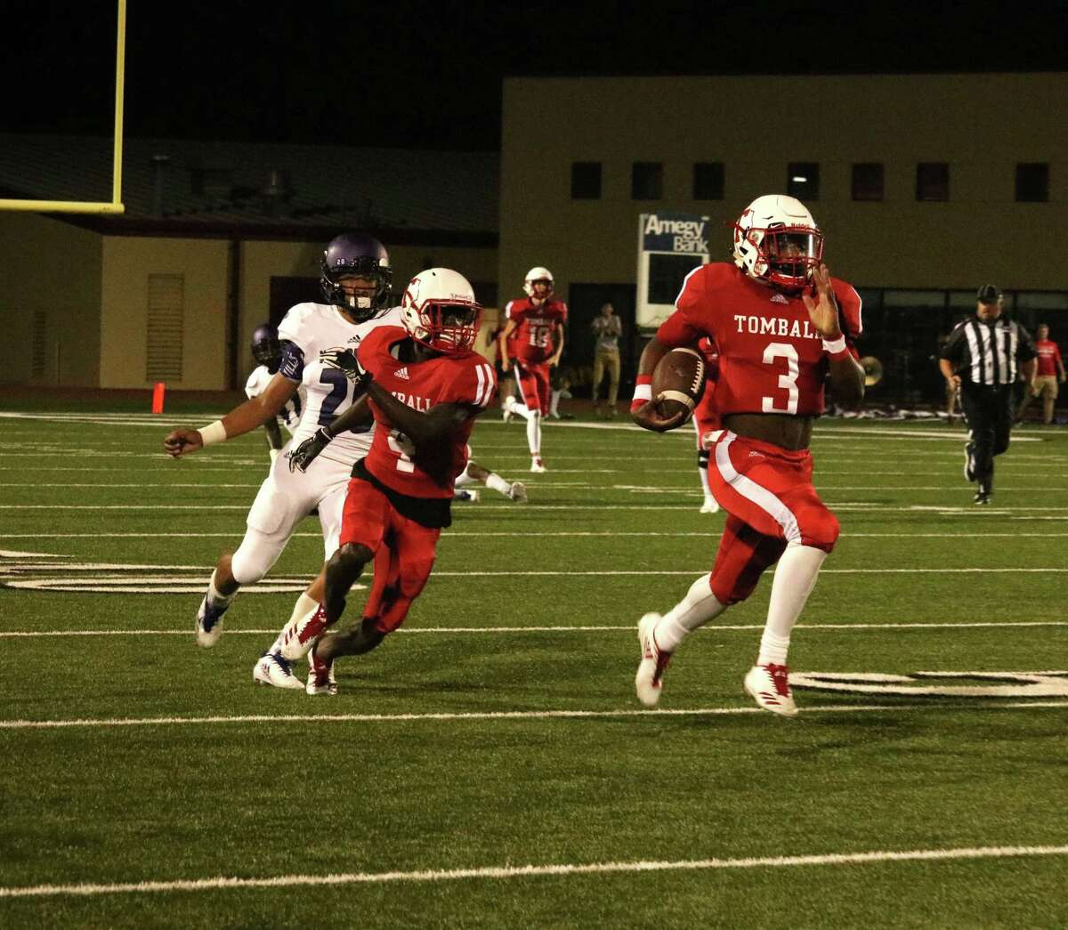 Tomball Football is 4-0 for the first time in a long time, and quarterback Tybo Taylor is a big part of why. Taylor averaged a mind-boggling 21 yards per carry through the first two games of the season, and he opened Friday's contest against Willis with an 84-yard touchdown rush. If he can continue at his prodigious pace, there is no telling what the Tomball Cougars might accomplish this year.