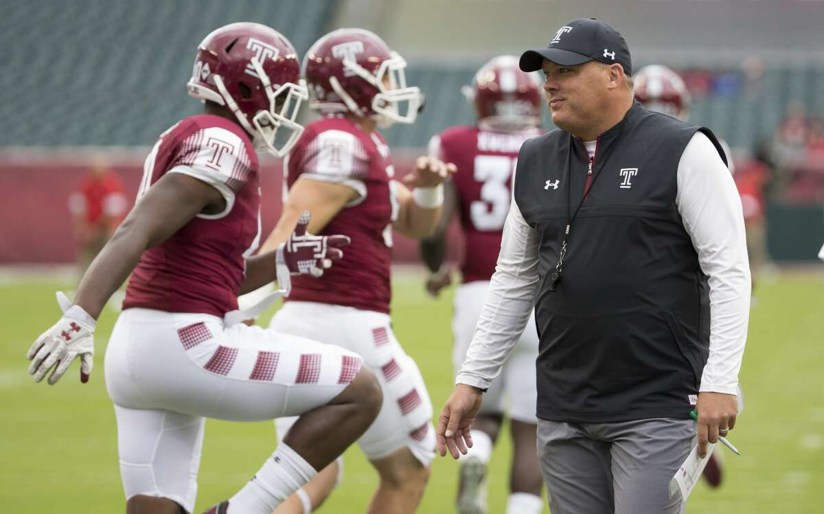 PHILADELPHIA, PA - SEPTEMBER 30: Head coach Geoff Collins of the Temple Owls looks on while his team warms up prior to the game against the Houston Cougars at Lincoln Financial Field on September 30, 2017 in Philadelphia, Pennsylvania. (Photo by Mitchell Leff/Getty Images)