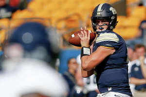 Pittsburgh quarterback Max Browne (4) plays against Rice in an NCAA college football game, Saturday, Sept. 30, 2017, in Pittsburgh. (AP Photo/Keith Srakocic)