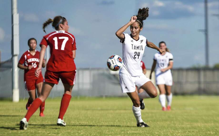 Sophomore forward Martha Perez had one of the Dustdevils' six shots on Saturday as TAMIU lost 4-0 in Austin to No. 4 St. Edward's. Photo: Danny Zaragoza /Laredo Morning Times File