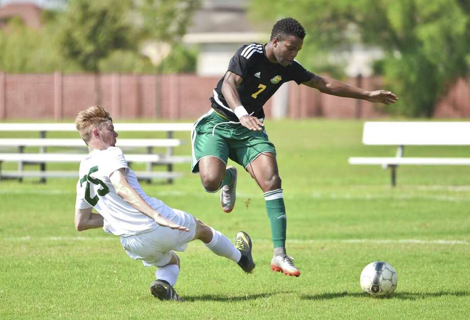 The Palominos soccer team fell a game shy of playing in the NJCAA Tournament losing 2-1 at No. 4 Tyler JC on Saturday in the South District Final. LCC's Rodave Murray was one of eight sophomores playing in their final game. Photo: Danny Zaragoza /Laredo Morning Times File / Laredo Morning Times