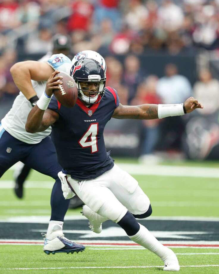 Houston Texans quarterback Deshaun Watson (4) runs the ball during the second quarter of an NFL football game at NRG Stadium, Sunday, Oct. 1, 2017, in Houston. Photo: Karen Warren, Houston Chronicle / @ 2017 Houston Chronicle