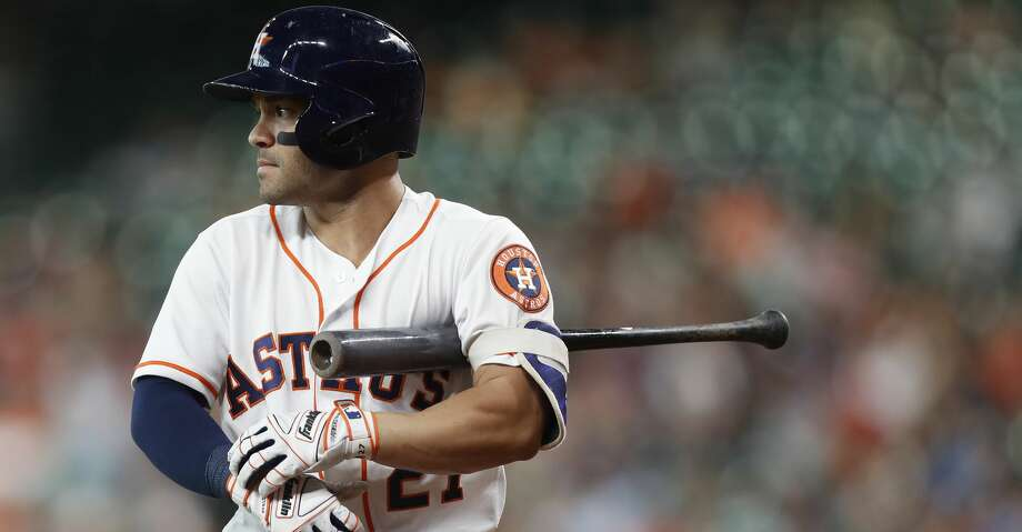 Houston Astros Jose Altuve (27) during his at bat in the first inning of an MLB game at Minute Maid Park, Tuesday June, 13, 2017.   ( Karen Warren / Houston Chronicle ) Photo: Karen Warren/Houston Chronicle
