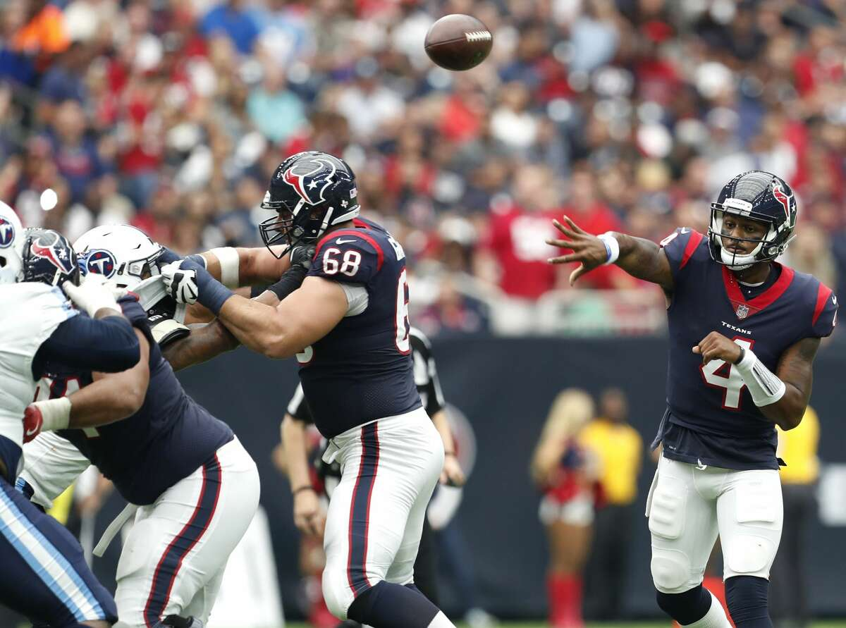 Houston Texans quarterback Deshaun Watson (4) throws a pass against the Tennessee Titans during the second quarter of an NFL football game at NRG Stadium on Sunday, Oct. 1, 2017, in Houston. ( Brett Coomer / Houston Chronicle )