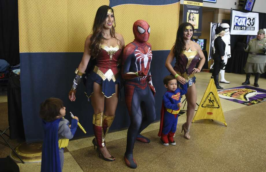 Laredoans dressed up for the bi-annual South Texas Collectors Expo on Sunday, Oct. 1, 2017, at the Laredo Energy Arena. Photo: Danny Zaragoza/Laredo Morning Times