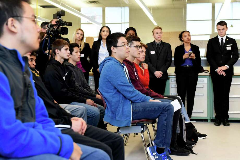Colonie High School students listen as Sen. Kirsten Gillibrand announces her bipartisan legislation, the 21st Century Strengthening Hands On Programs that Cultivate Learning Approaches for Successful Students Act on Monday, Oct. 2, 2017, in Colonie, N.Y. (Will Waldron/Times Union) Photo: Will Waldron, Albany Times Union / 20041726A