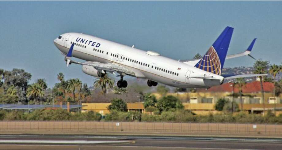 United is deeply discounting fares between the Bay and Chicago or Dallas to less than $100 round trip!  Photo: Jim Glab