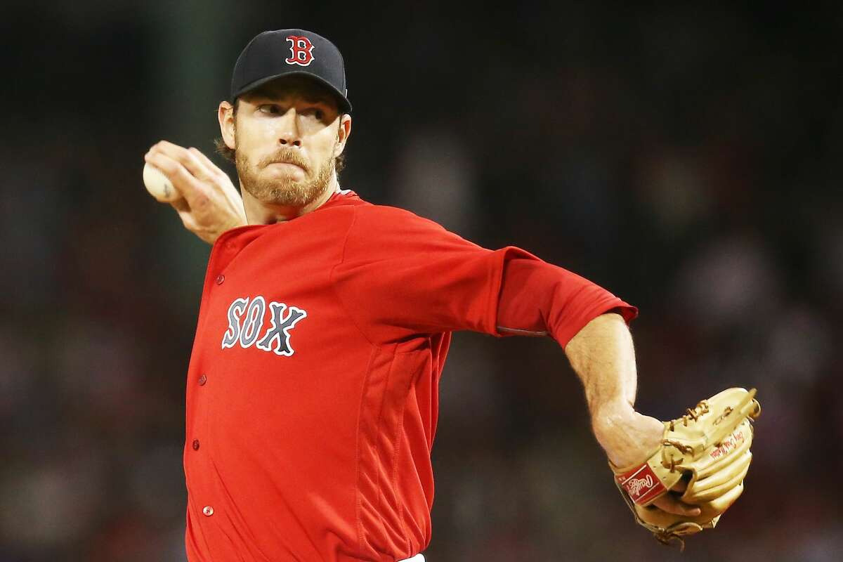 BOSTON, MA - SEPTEMBER 29: Doug Fister #38 of the Boston Red Sox delivers in the first inning of a game against the Houston Astros at Fenway Park on September 29, 2017 in Boston, Massachusetts. (Photo by Adam Glanzman/Getty Images)