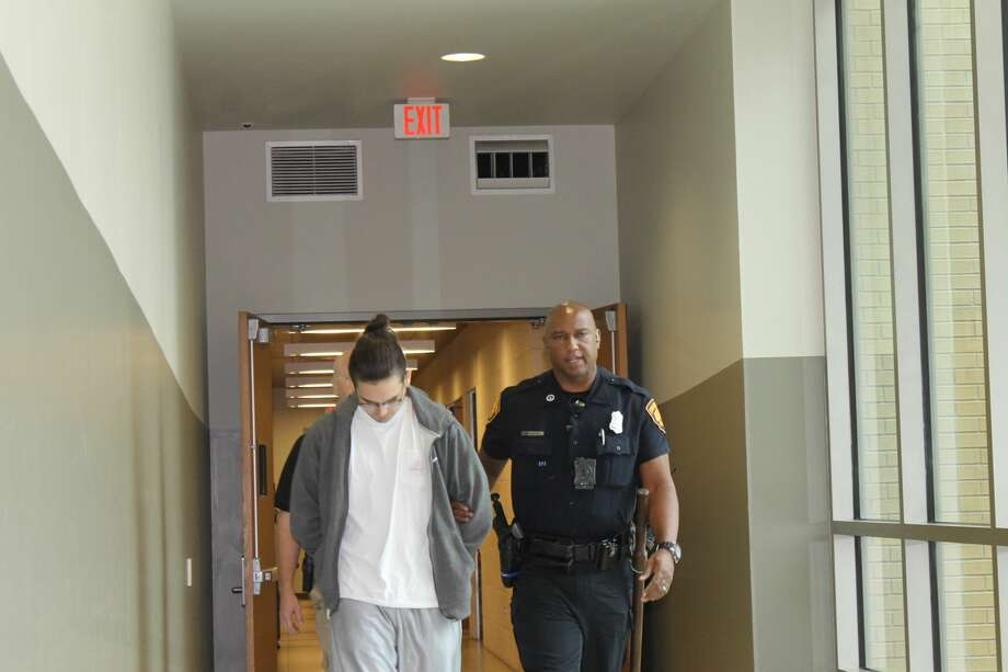 The Lone Star Fugitive Task Force arrested Nathan Thomas Losoya, 19, on suspicion of failing to render aid in an incident involving a skateboarder Wed, Sept. 20, 2017. Photo: Fares Sabawi/San Antonio Express-News