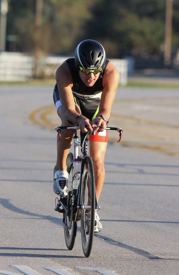 Katy Rotary received a grant to promote its Oct. 29 Katy Triathlon at Firethorne. The 2017 overall winner Andrew Cashion, above, competes. Photo: Alan Warren, Staff Photographer / HCN