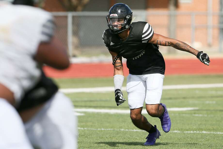 Steele standout defensive back Caden Sterns during a morning practice session at the school on Aug. 21, 2017. Photo: Marvin Pfeiffer /San Antonio Express-News / Express-News 2017