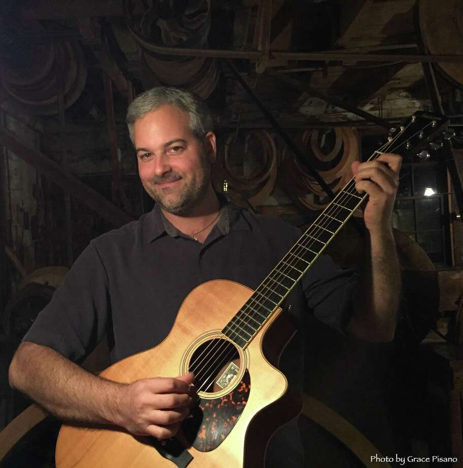 Guitarist Glenn Roth performs in Hartford Oct. 14. Photo: Contributed Photo / Not For Resale