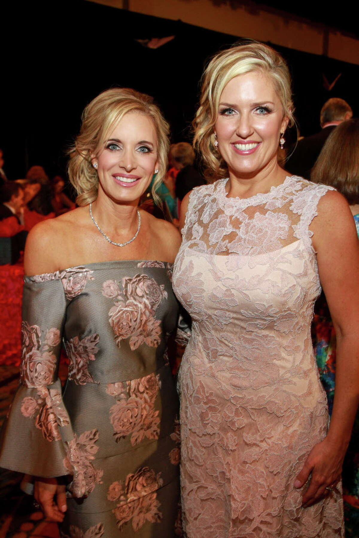 """Co-chairs Cheryl Brady, left, and Tiffany McClung at the Memorial Hermann """"In the Pink of Health"""" luncheon. (For the Chronicle/Gary Fountain, September 29, 2017)"""